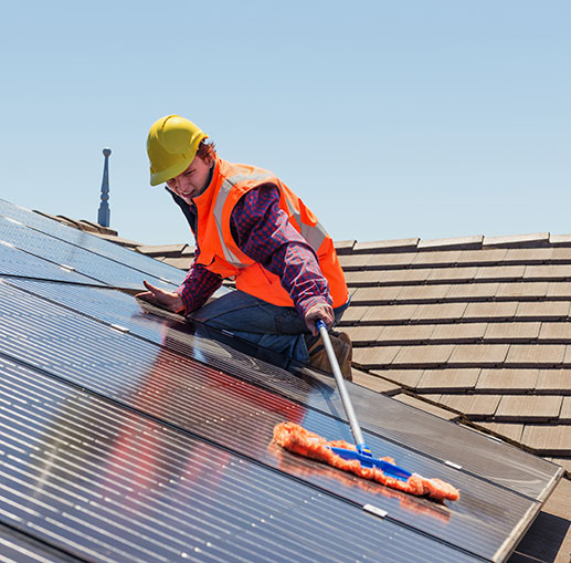 do solar panels need cleaning