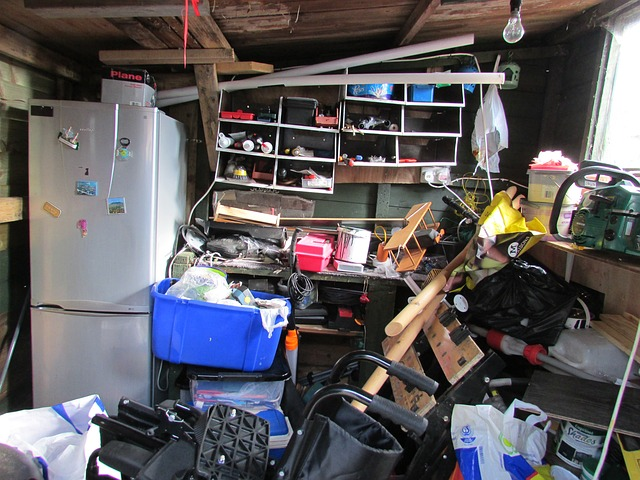 THE RIGHT WAY TO DO HOARDER CLEANING