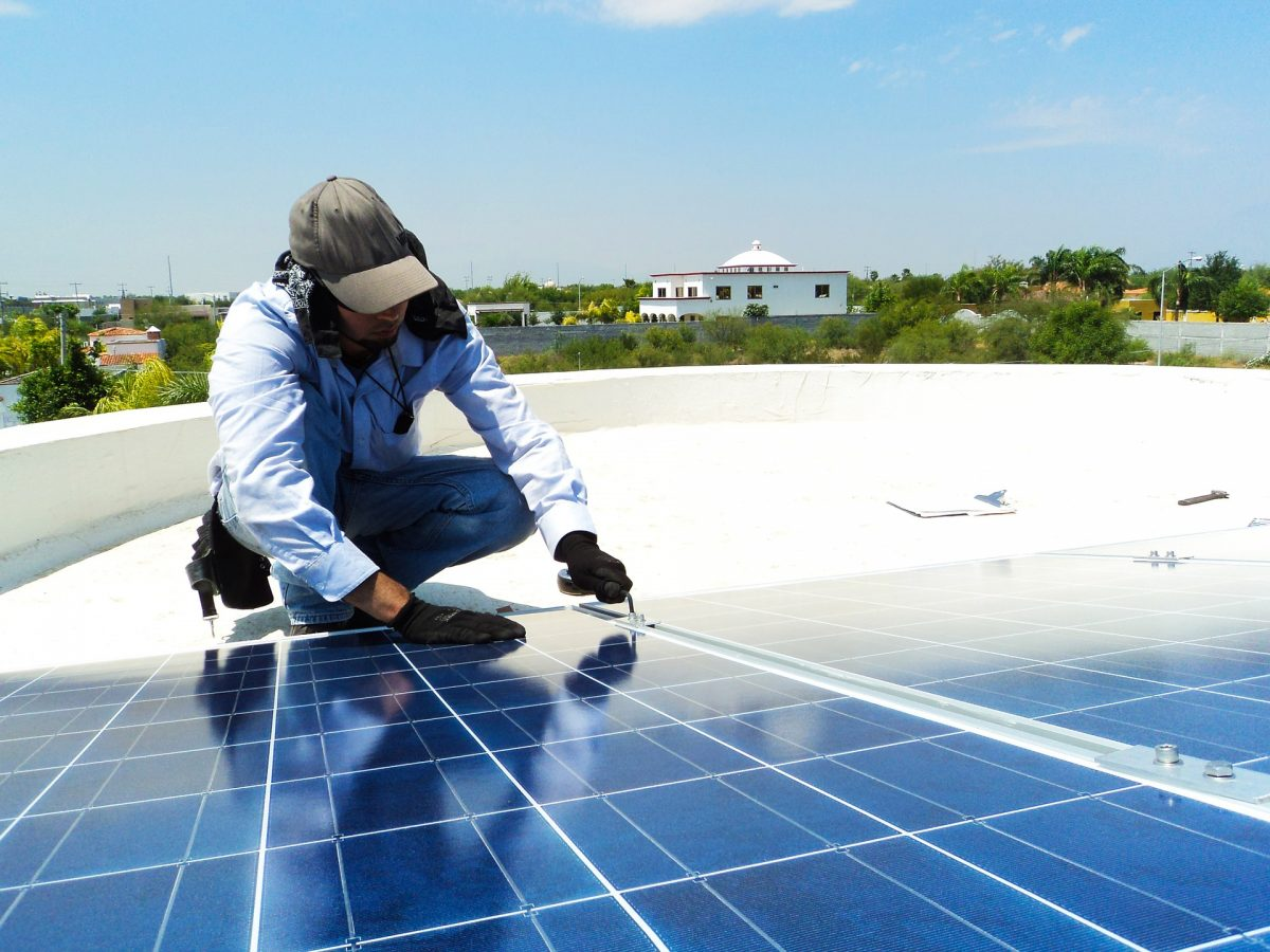 HOW TO CHOOSE SOLAR PANEL CLEANING COMPANIES